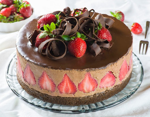 Strawberry-Chocolate-Cake-1