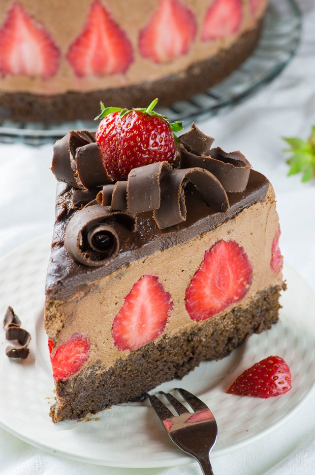 strawberry-chocolate-cake-2
