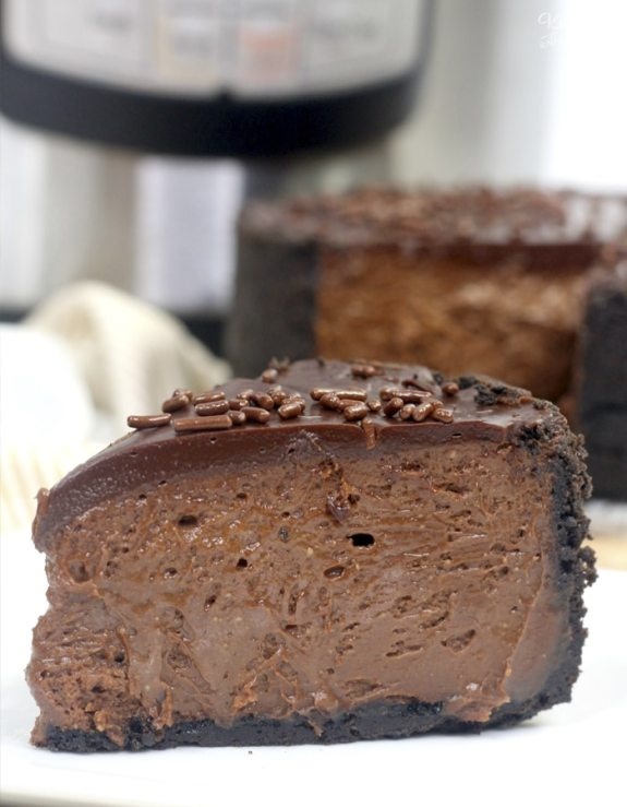Instant-Pot-Chocolate-Cheesecake-1